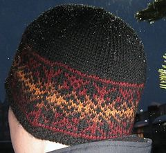 Fireflake Hat by Cailyn Meyer - free