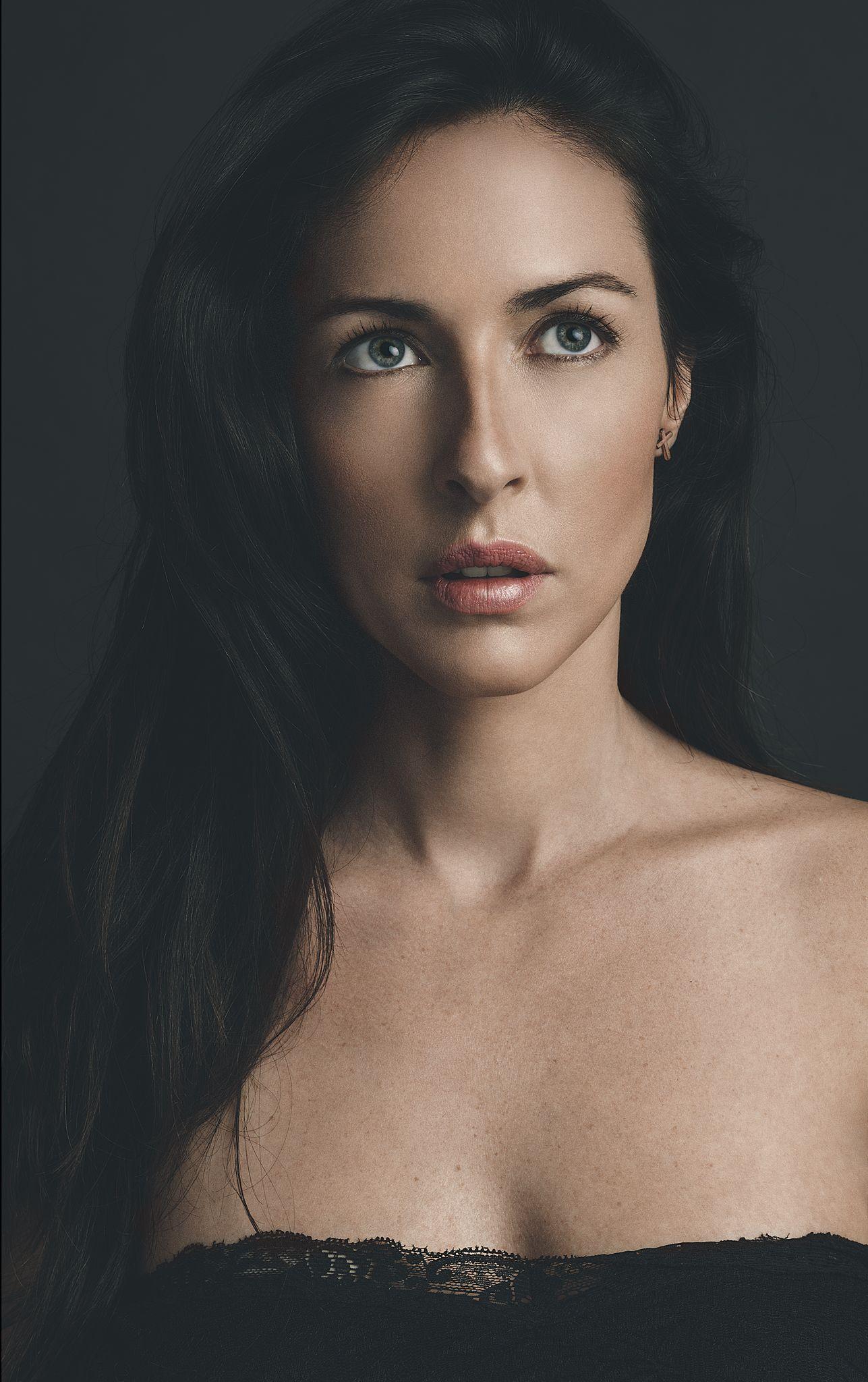 Agustina Iturraspe Nude Photos 34