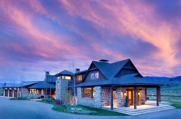 Visite privée d\u0027une maison au style rustique à la montagne