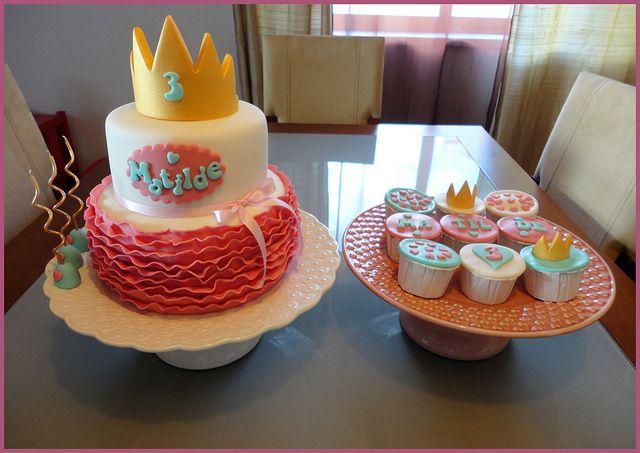 Bolo Princesa e Cupcakes para a Princesa Matilde, via Flickr.