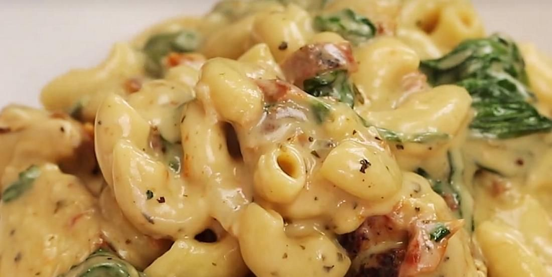Macaroni Au Fromage Et Au Poulet Toscan Recettes Ma Fourchette Food Macaroni Mac N Cheese