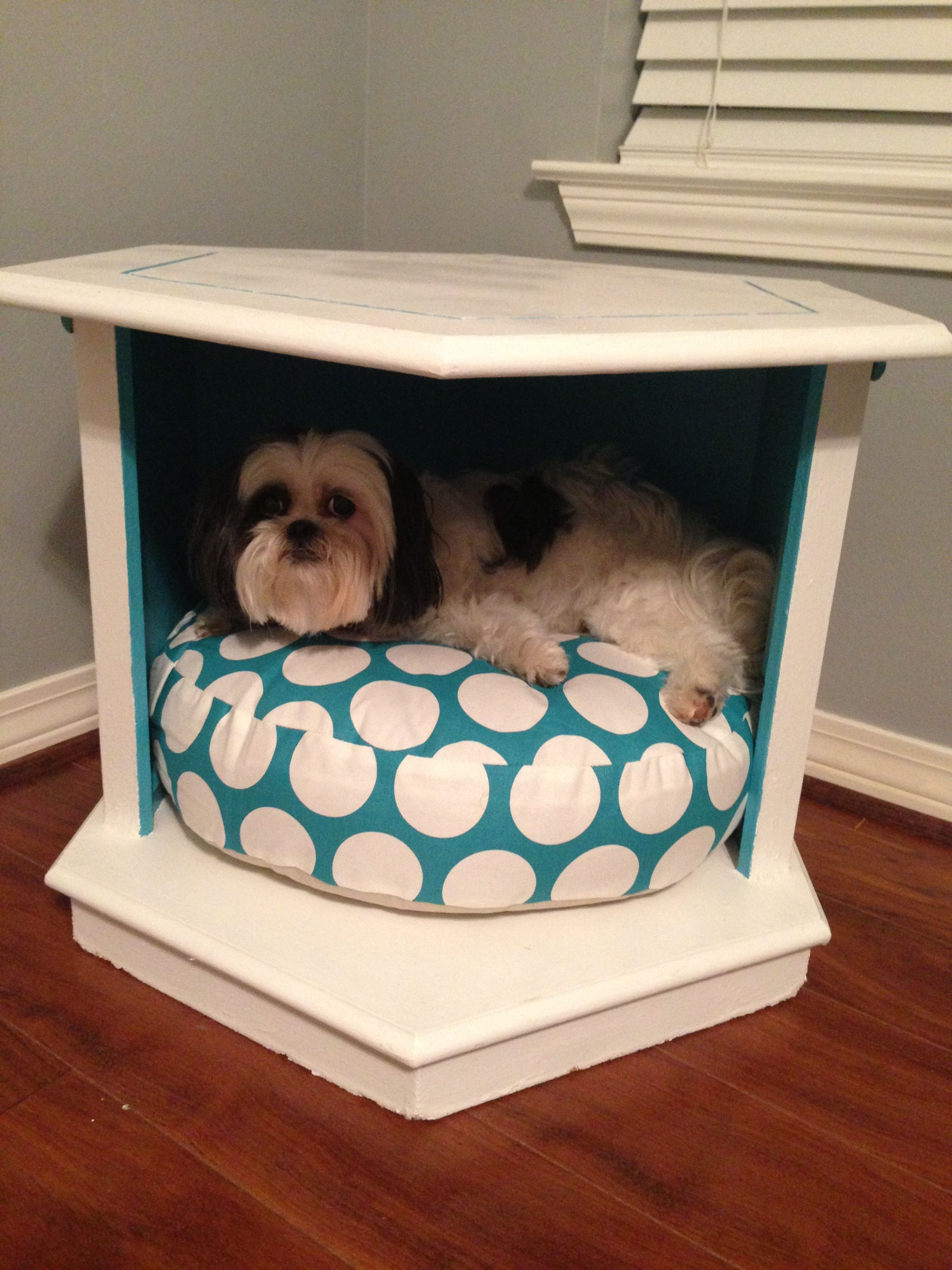 Pin By Amber Pitzl On Keenou Diy Dog Bed Dog Crates For Sale Dog Kennel Furniture