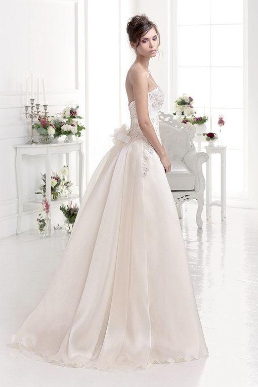 Hochzeitskleider 2015: Zum Träumen schöne Brautkleider | Couture ...