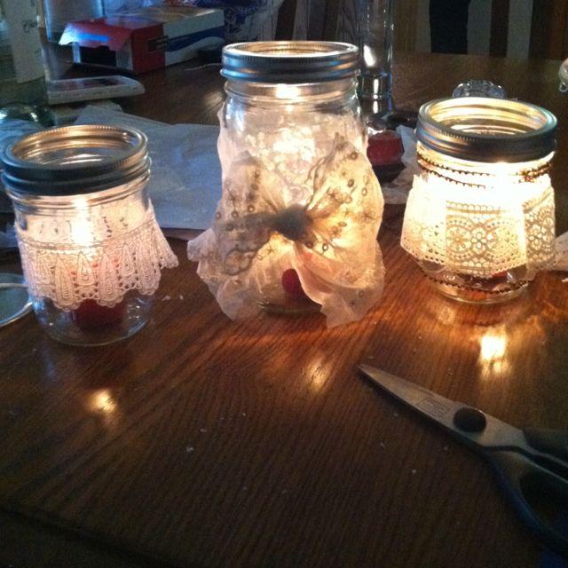 Mason jar w lace, candle inside