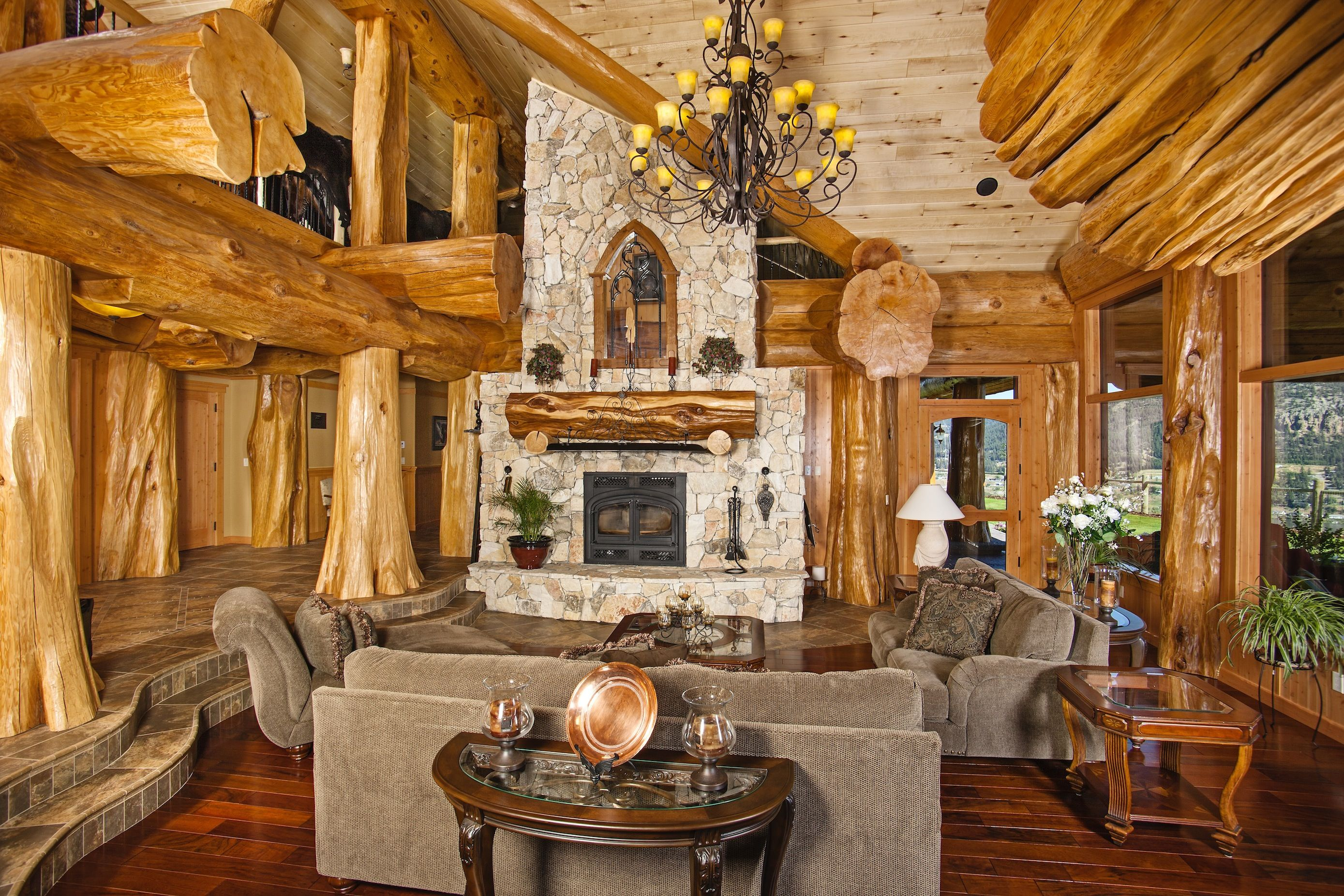 Log Home Living Room, Image Courtesy Of Hilliard Photographics.