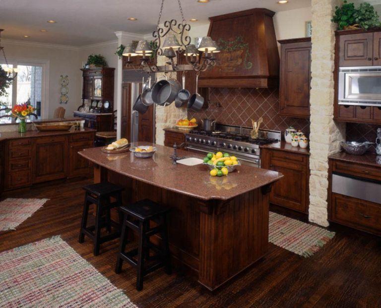 Classic American Kitchen Style Ideas 13 | Kitchen design ...