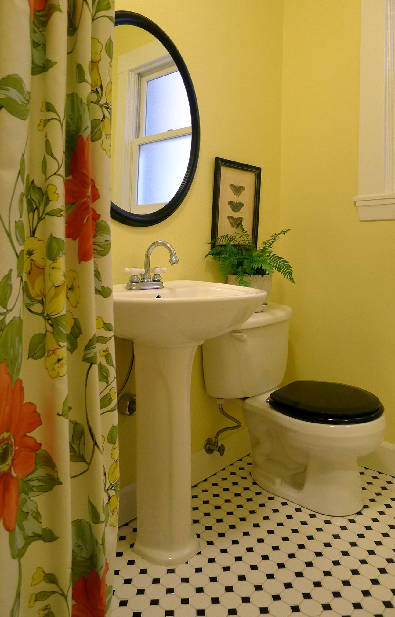 yellow, black, white bathroom | Bathrooms with charm~ | Pinterest ...