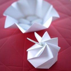 Veritable Sculpture De Papier Cette Petite Boite Blanche Est Un