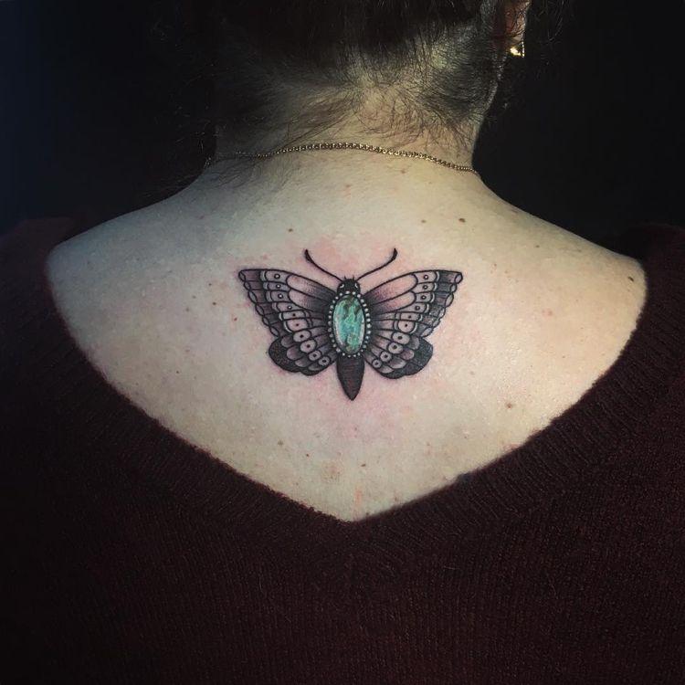 Tattoo Motte Edelstein Rucken Frau Name Tattoos Flower Tattoo Tattoos
