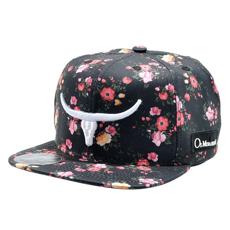 Boné Os Moiadeiros - Cor preto. - Estampa floral. - Aba costurada ... 9ee952f9764