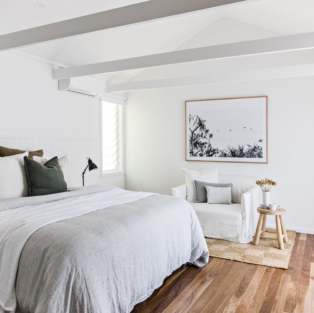 T H E S T A B L E S On Instagram Loving The Big Oversized Love Seats In The Bedrooms At Capebeachhouse The Perfect Dumping In 2020 House Beds Bedroom Styles House