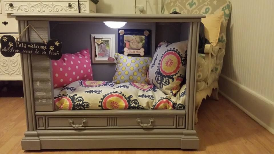 Made This For A Silent Auction Old Tv Into Dog Bed Dog Bed