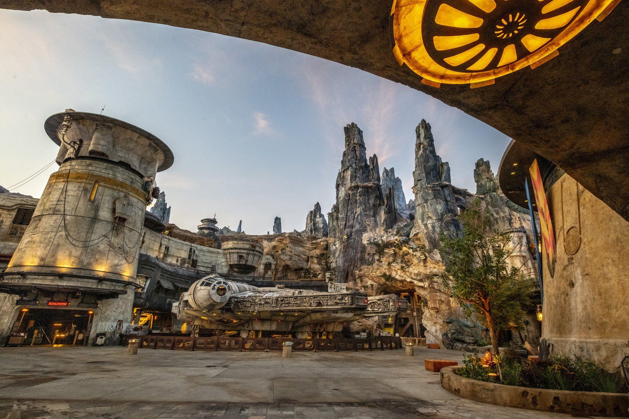 Disney Springs On Twitter Star Wars Disneyland Park Disney Parks