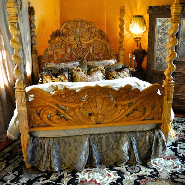 Carved mexican bed indeed decor spanish hacienda for Casa mexicana muebles