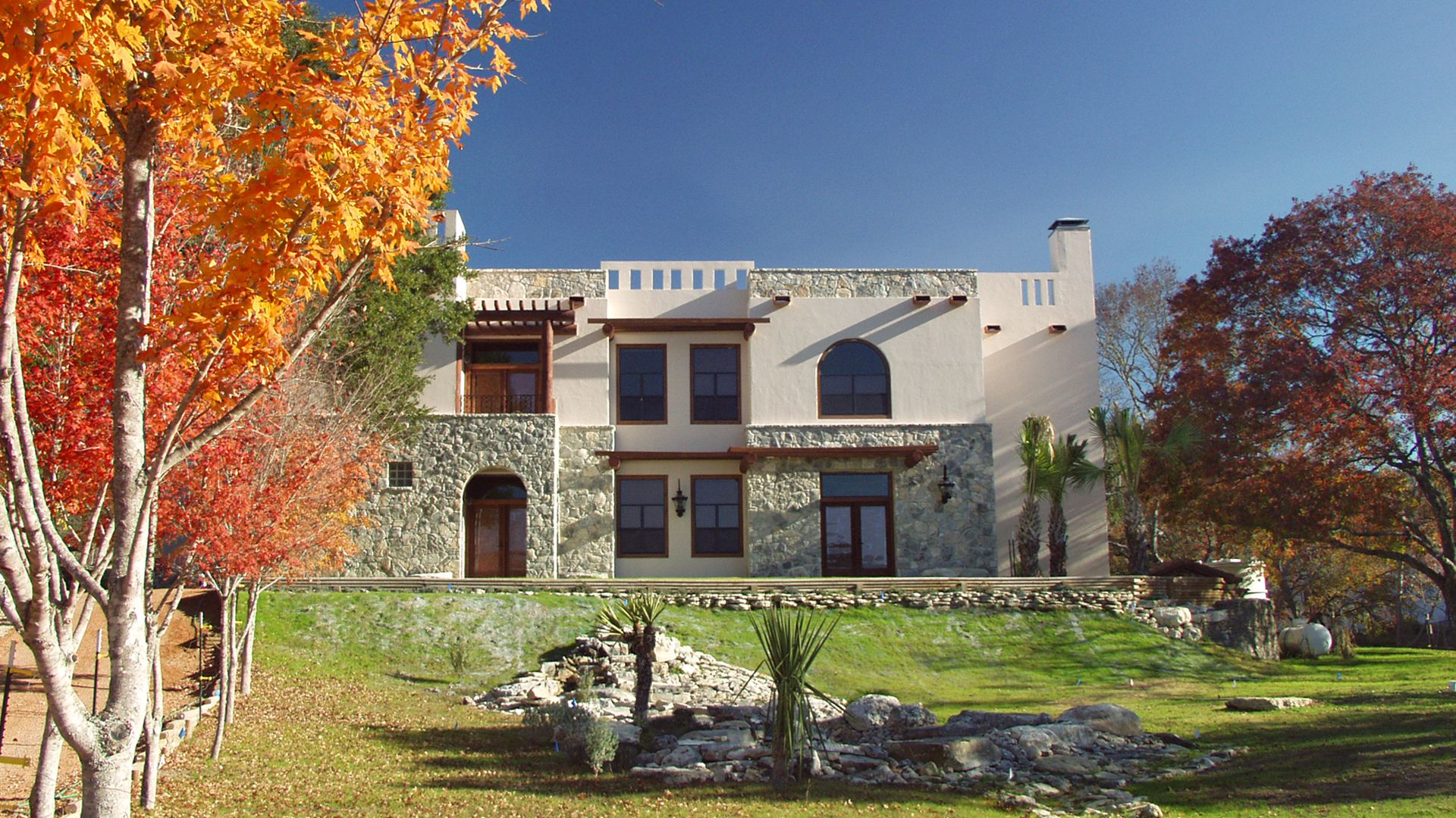 The Escondida Inn, located in Medina, Texas.   Romantic ...