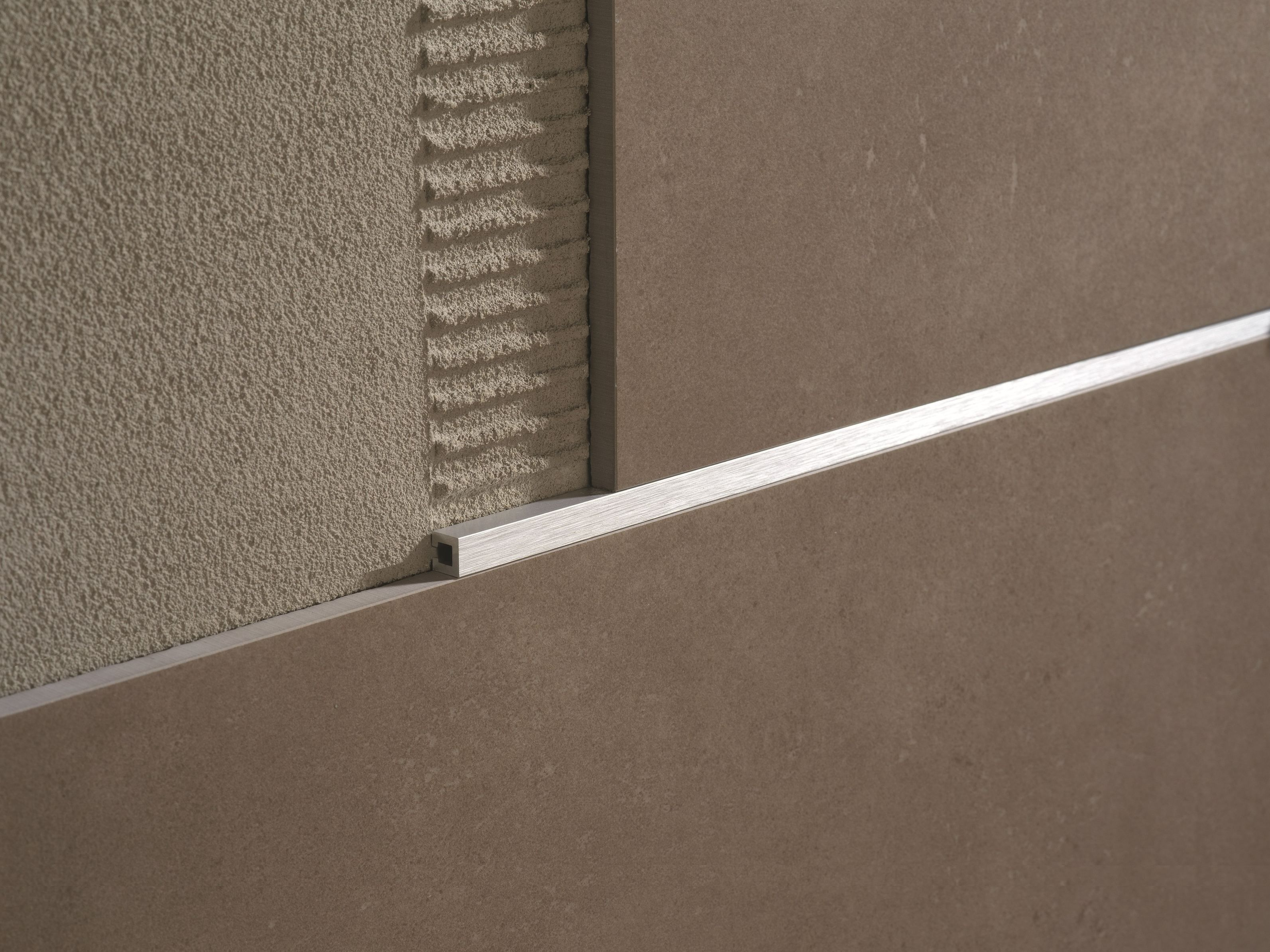 Decorative aluminium edge profile listec li 10 profilitec decorative aluminium edge profile listec li 10 profilitec floor tile dailygadgetfo Gallery