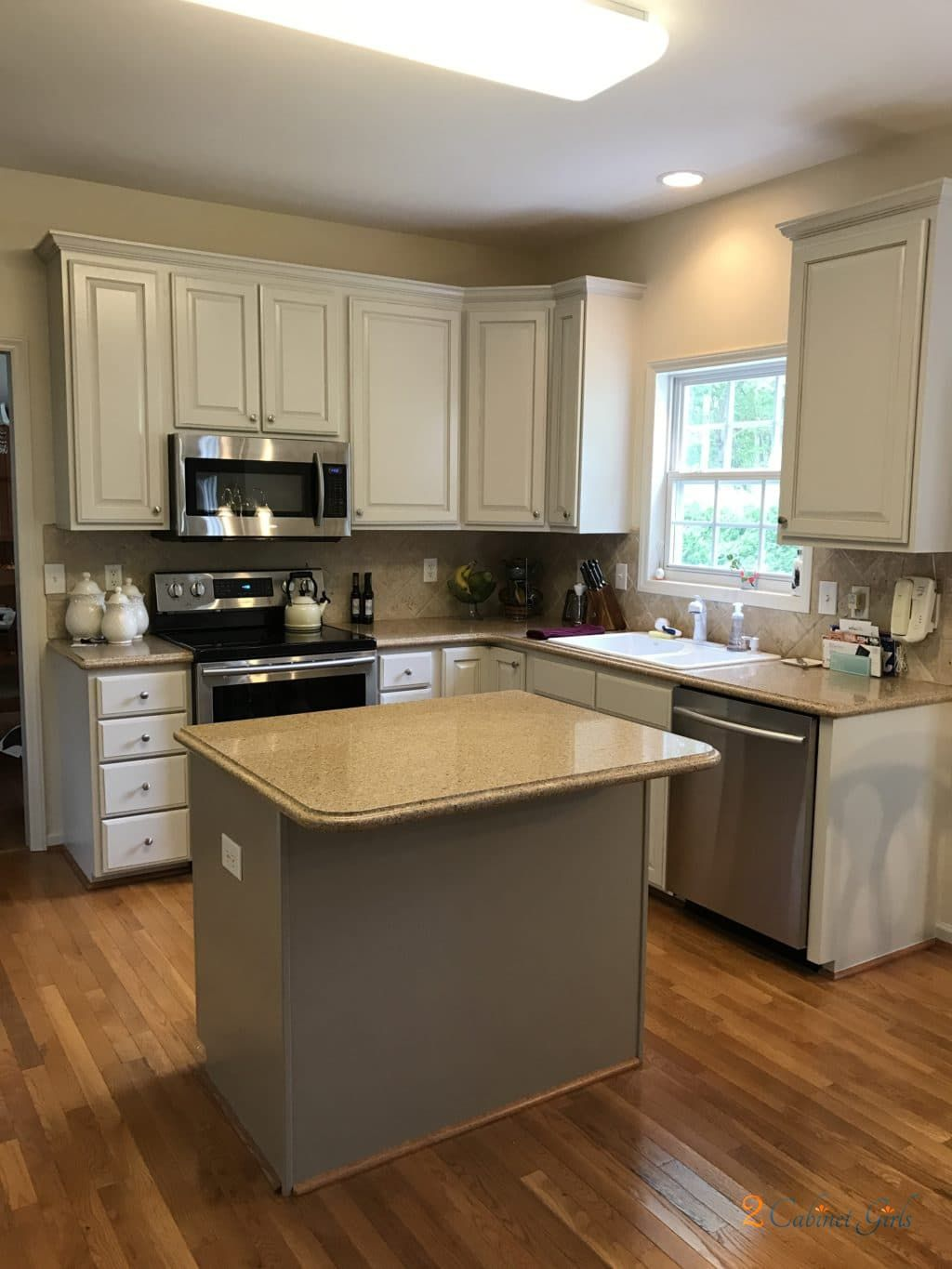 My Homeowner Loves The Look Of Cream Toned Cabinets With Soft Smudged Pinstripe Glaze But Since Her Grey Kitchen Walls Beige Kitchen Greige Kitchen Cabinets