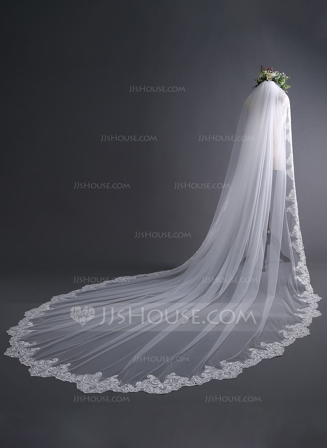 1 Tier Cathedral Wedding Veils Crystal Cut Edge Bridal Veil With Comb