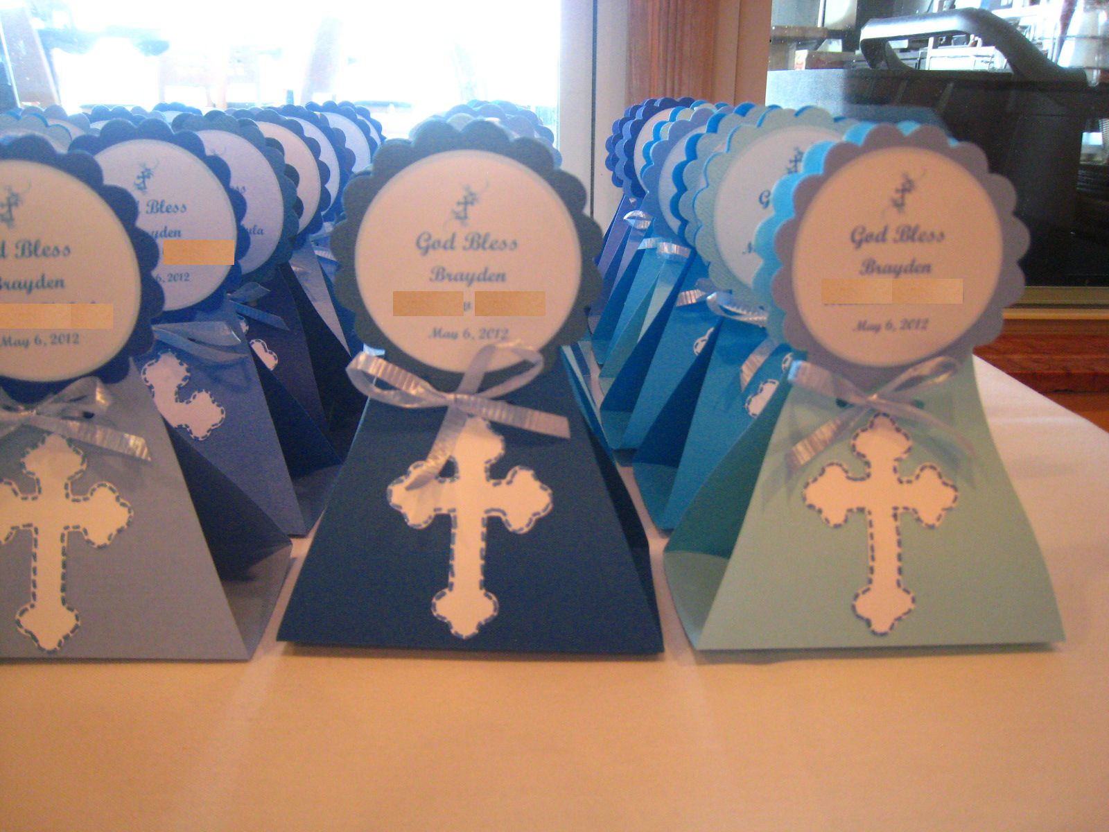 Baptism Favors Made Cake Pop Holders From My Cricut They Were In Flavors Of Red Velvet With Cream Cheese Milk Choc With Mc And Lemon With Lemon Frosting