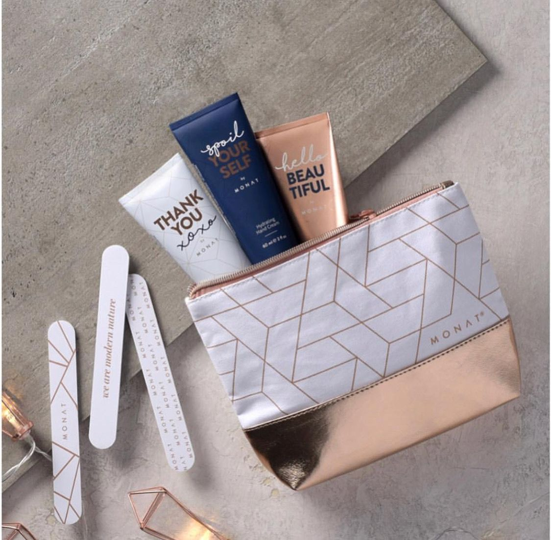 2018 Monat Holiday Collection Sets Get your friends n