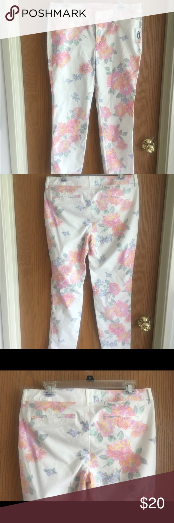Old Navy 'Pixie' floral print chinos Brand new with tags! Size 8 regular. Please message me for more pictures or with any questions! Old Navy Pants Ankle & Cropped