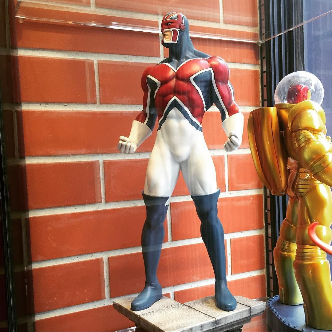 Saw this Brian Braddock sculpture at Album comics in Paris and snapped a pic to remind myself I gotta do some Captain Britain drawings at some point. Also @tmiyashiro commented that he should be called 'Union Jack' ... I had to explain that there already is another guy that wears the Union Jack... And he's named Union Jack. #brianbraddock #excalibur #albumcomics #paris #unionjack #butnotunionjack  #iamanerd by philbourassa
