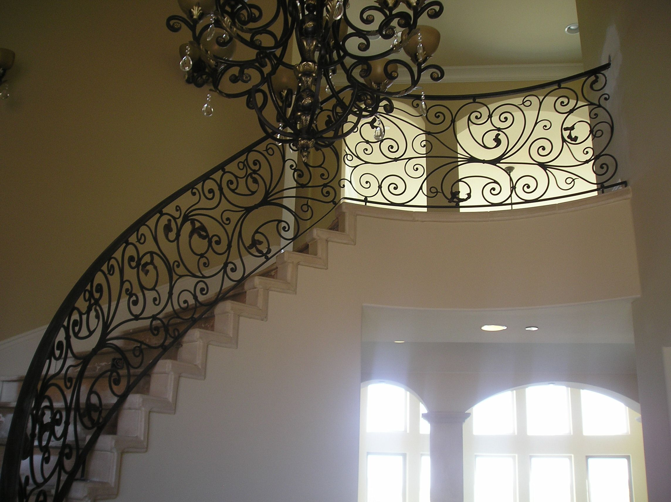 Staircase railings interior iron stair railings for Interior iron railing designs