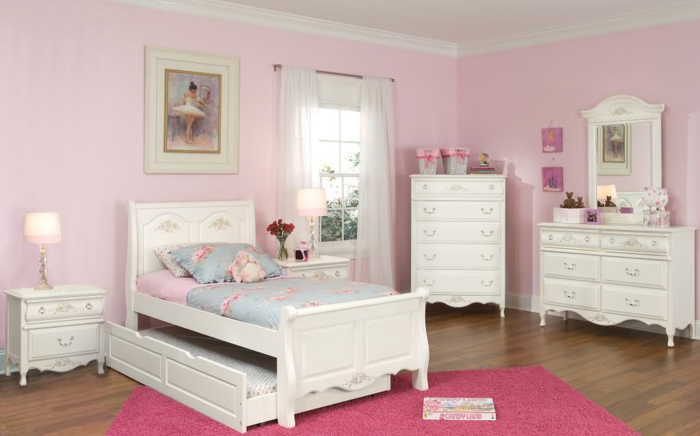Hypnotic Girls White Twin Bedroom Set with Elegan Victorian Style