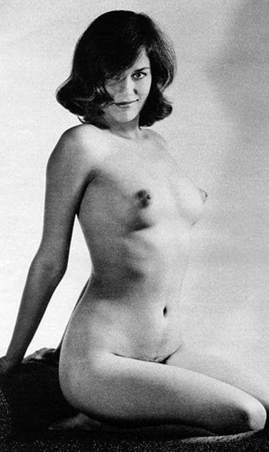 Photograph Of Female Lesbians Performing Oral Sex Sarah Mcdonald Nude Com