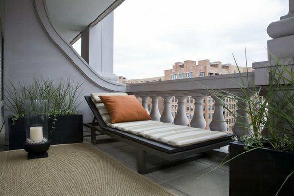 balkonmöbel für kleinen balkon sonnenliegen balkonpflanzen SIT