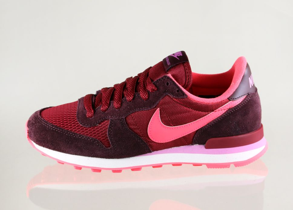 Nike Internationalist Burgundy Trainers