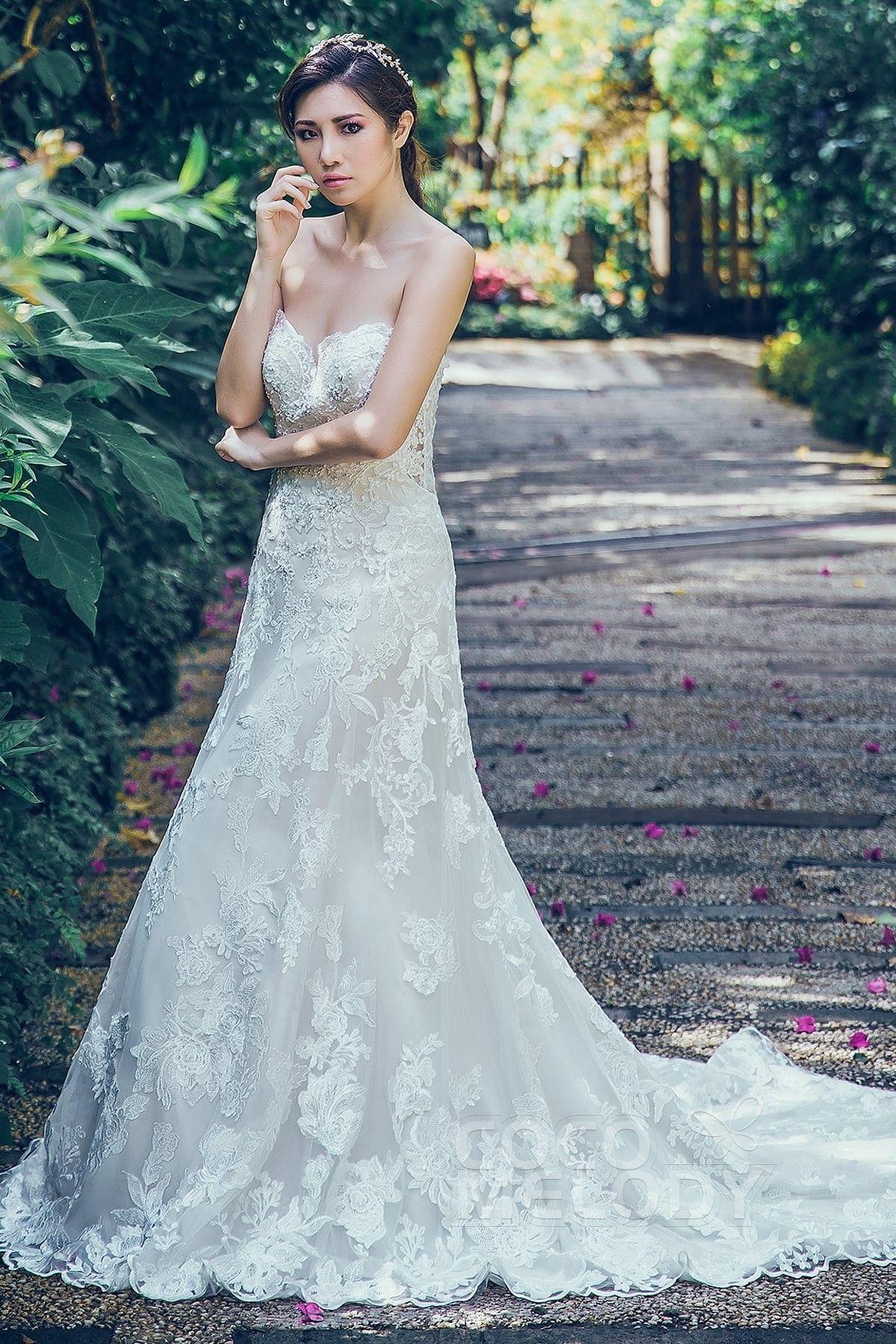 [ USD 699 ] SheathColumn Court Train Tulle Wedding Dress