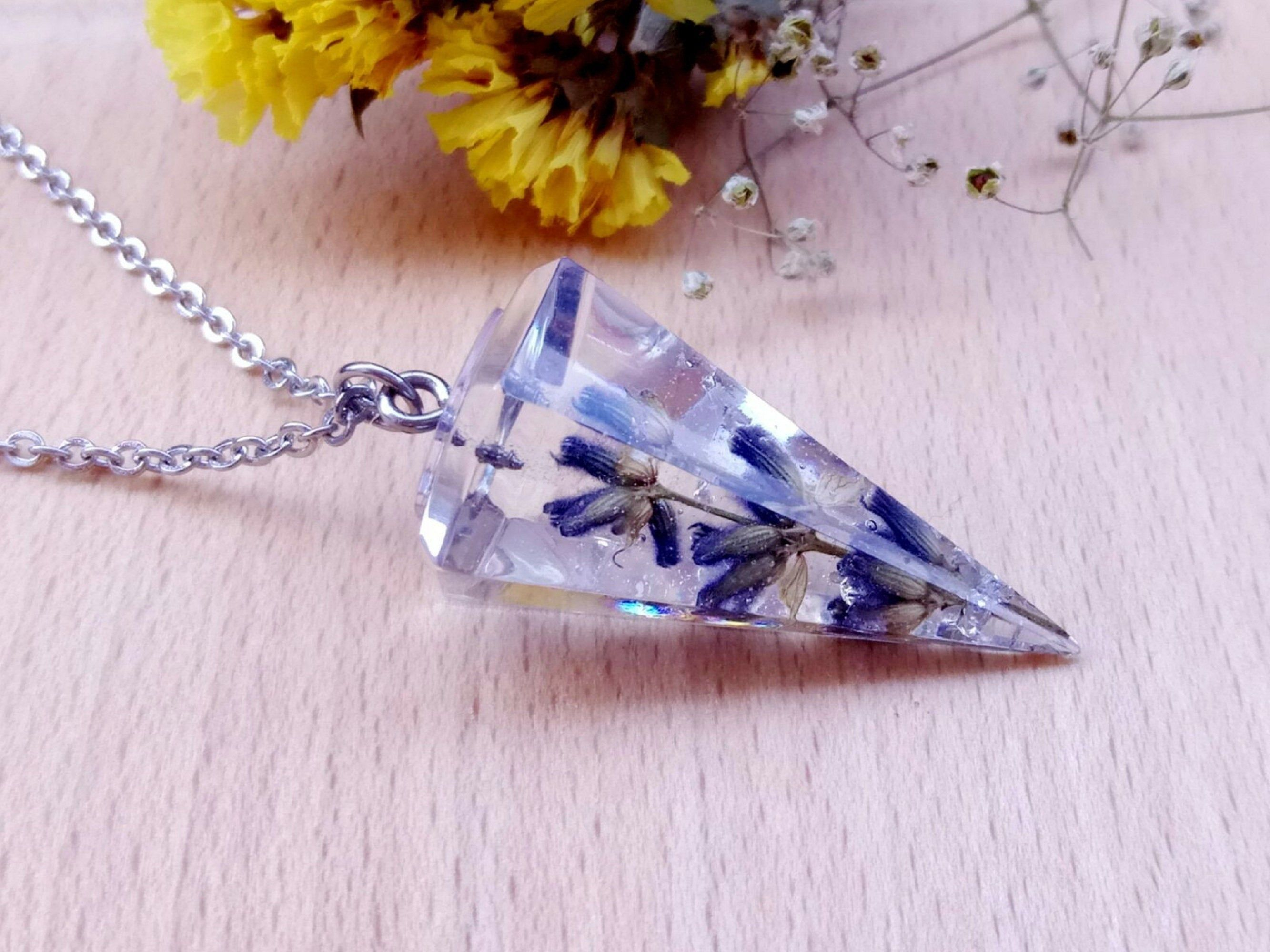 Lavender Necklace Real Flower Necklace Dried Flower Jewelry In 2020 Dried Flower Jewelry Lavender Necklace Flower Jewellery