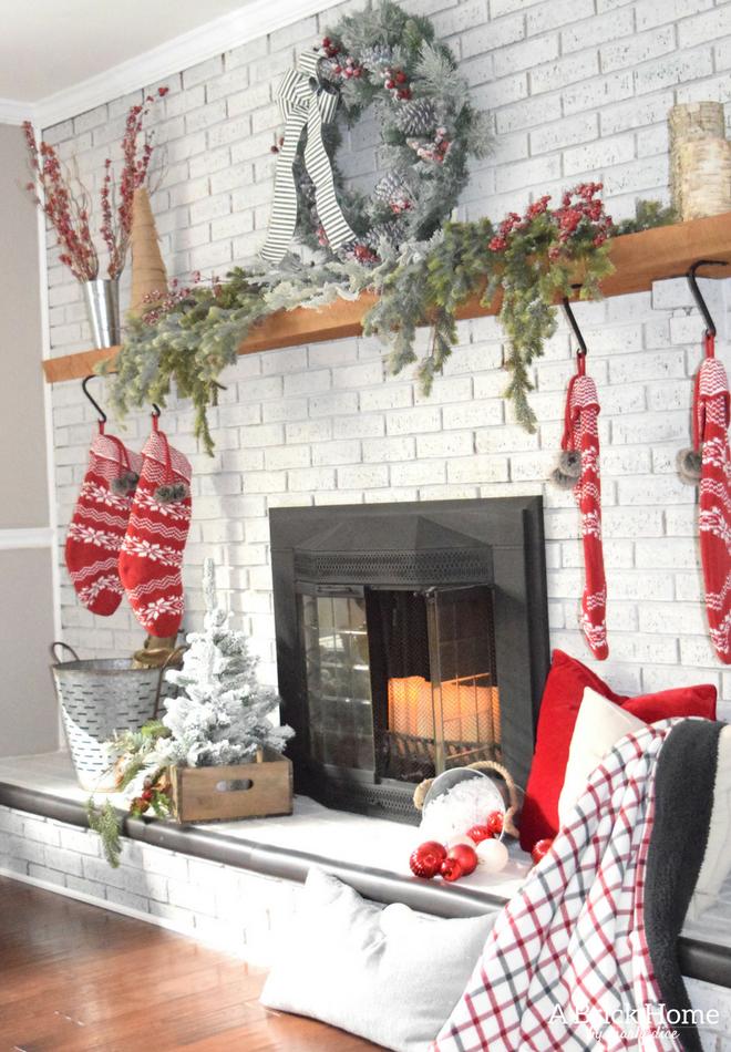 A Brick Home Christmas Mantel Christmas mantel