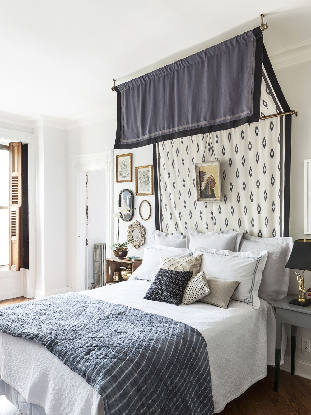 Love This DIY Canopy Bed From Megan Pflug Designs!