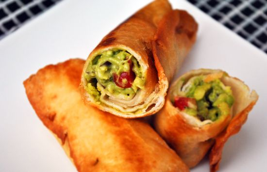 guacamole taco rolls... PERFECT for weekend football watching!