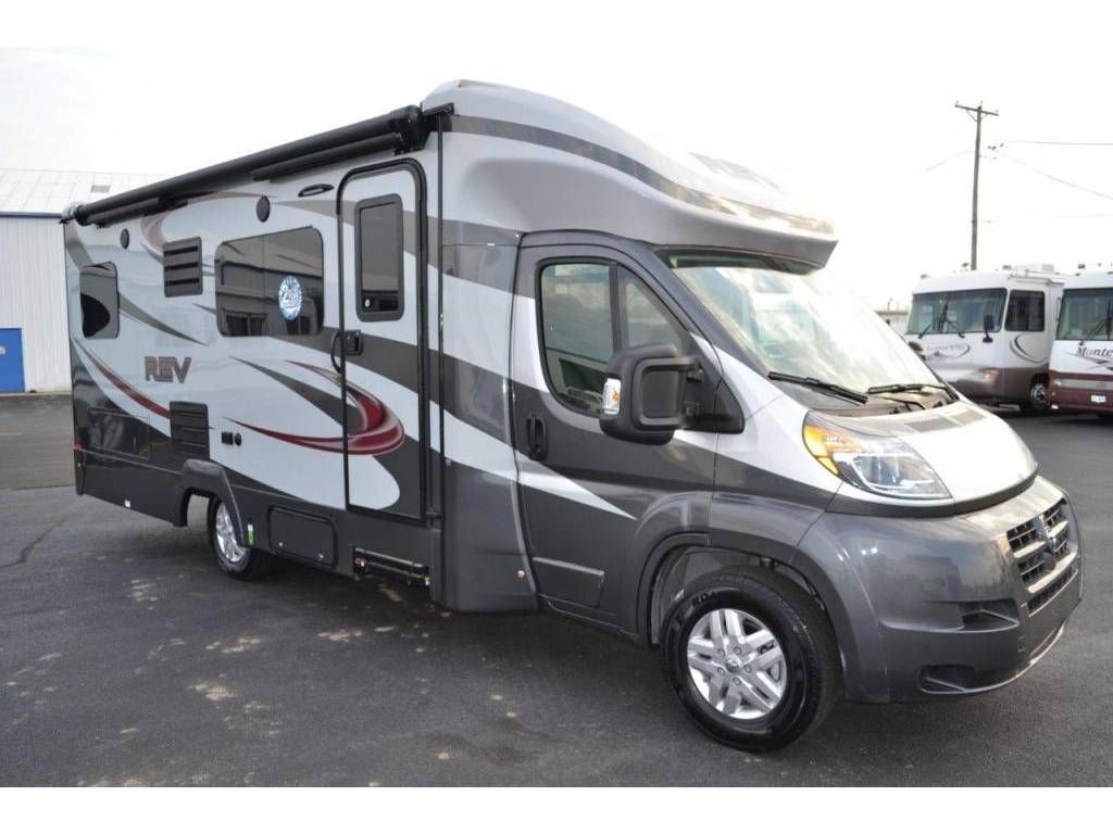 Dynamax Rev 24 Twin Bed Check Out This 2018 Dynamax Rev