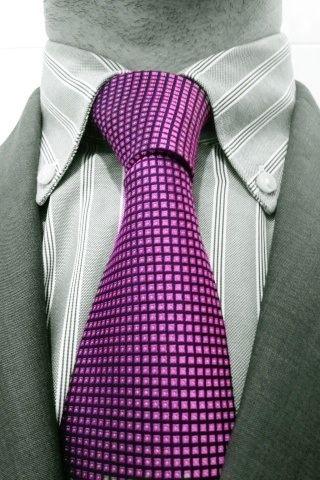 Corbata violeta