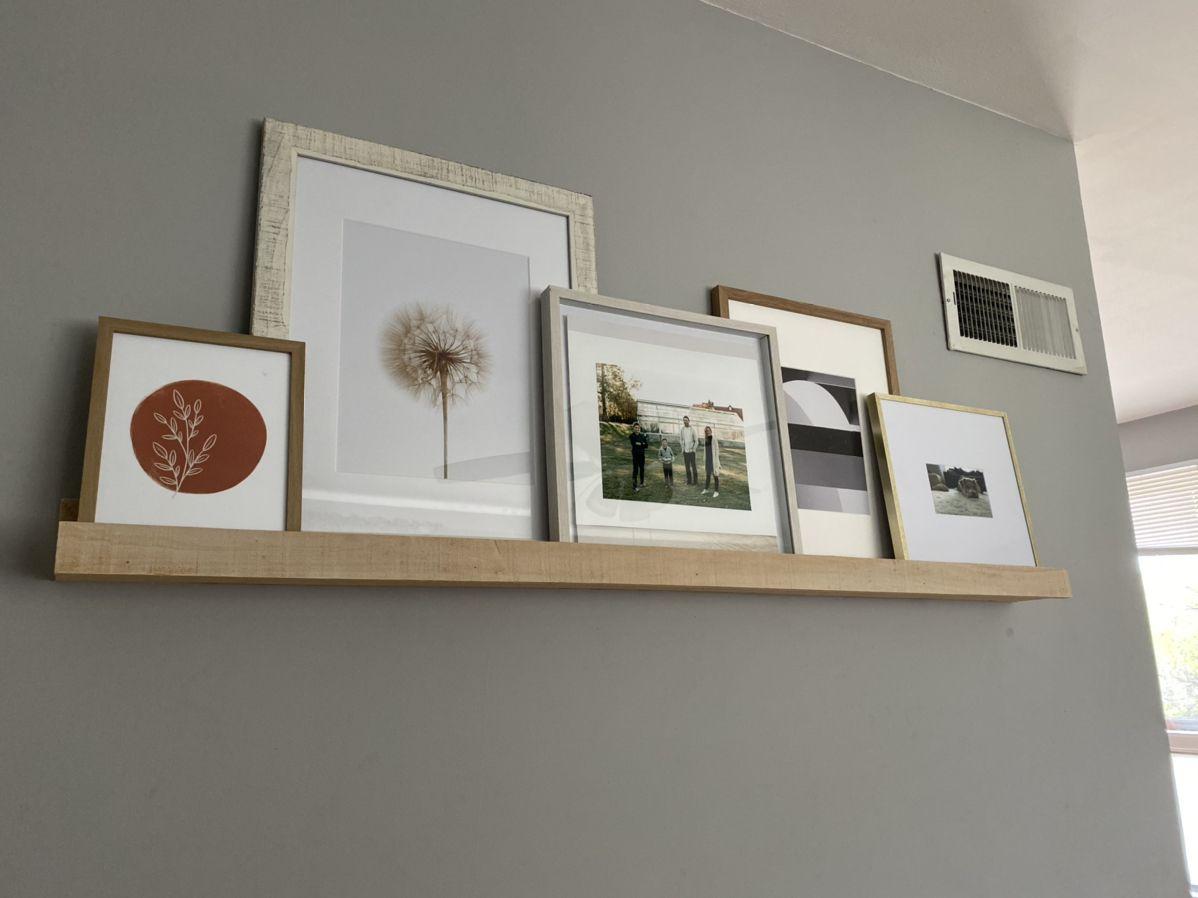 #pictureledge #shelf #diy #cedar #pictureframeshelf #decor #simpledecor