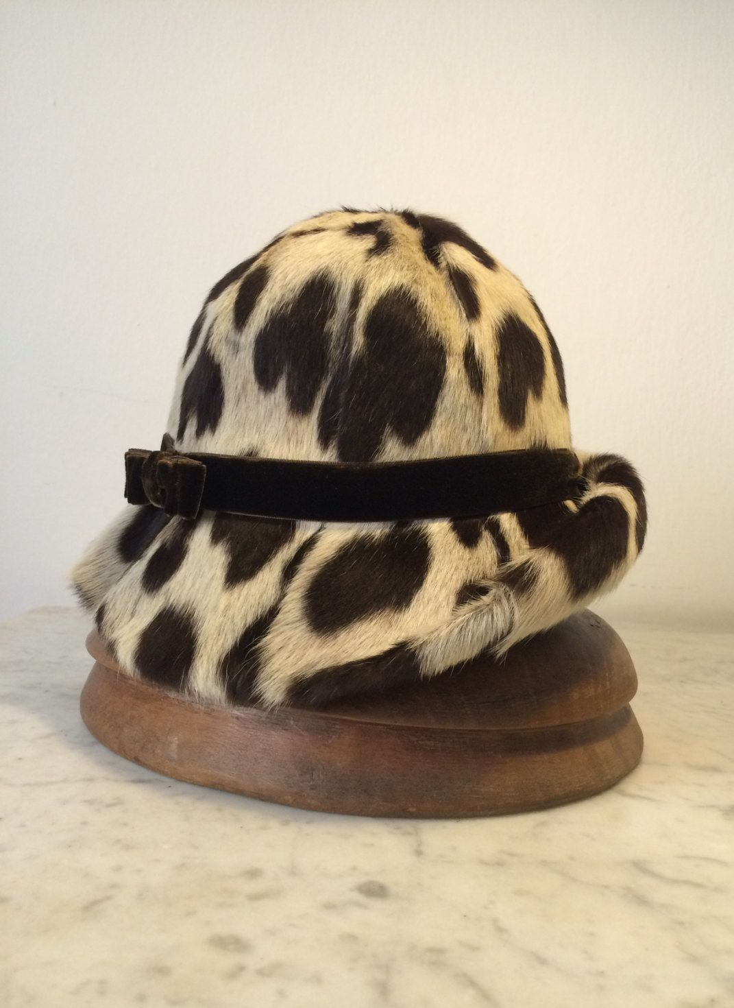 Cappello invernale pelo maculato   Cloche donna pelo anni 60   Cappello  maculato in vero pelo anni 60   Cloche invernale   Regalo per lei by ... 279cd814baae