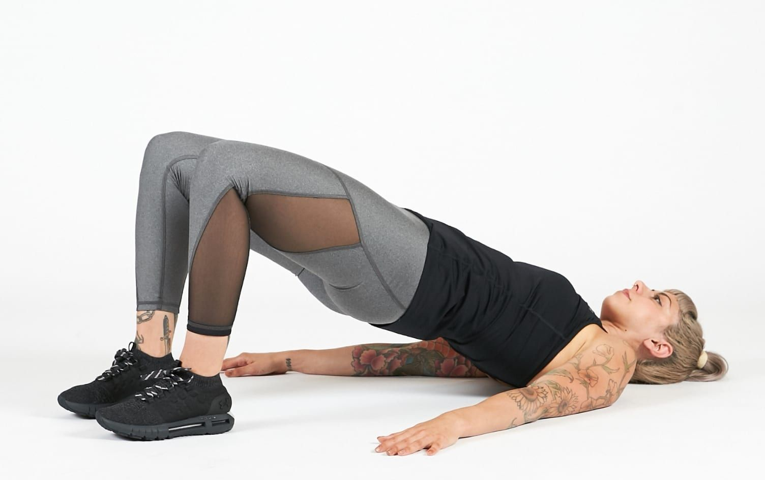 hip thrust at home with bar