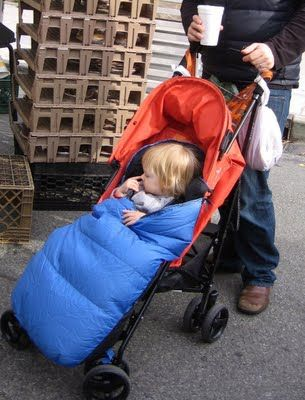 "Clever! A sewing tutorial for a stroller ""BundleMe"" made from a sleeping bag."