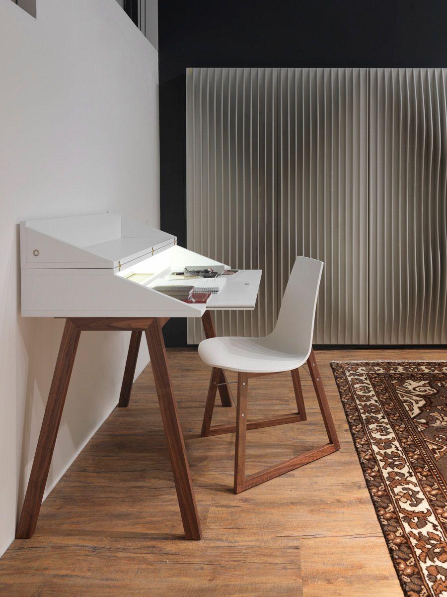 Bureau Desk2