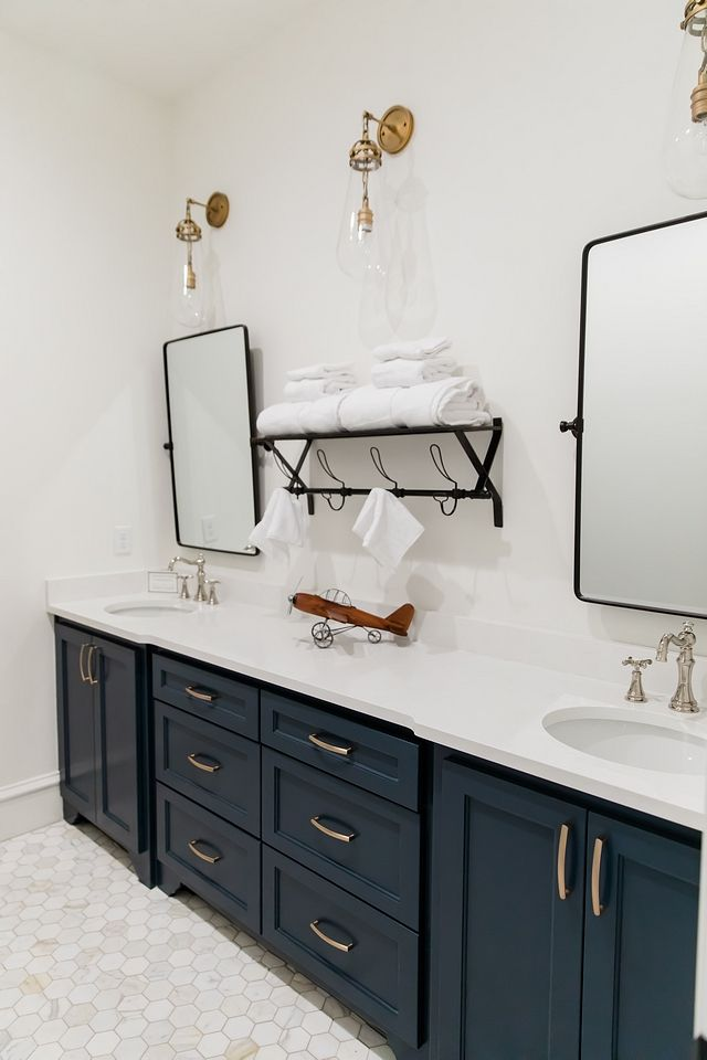 Texas Home Design - Home Bunch Interior Design Ideas #halenavybenjaminmoore