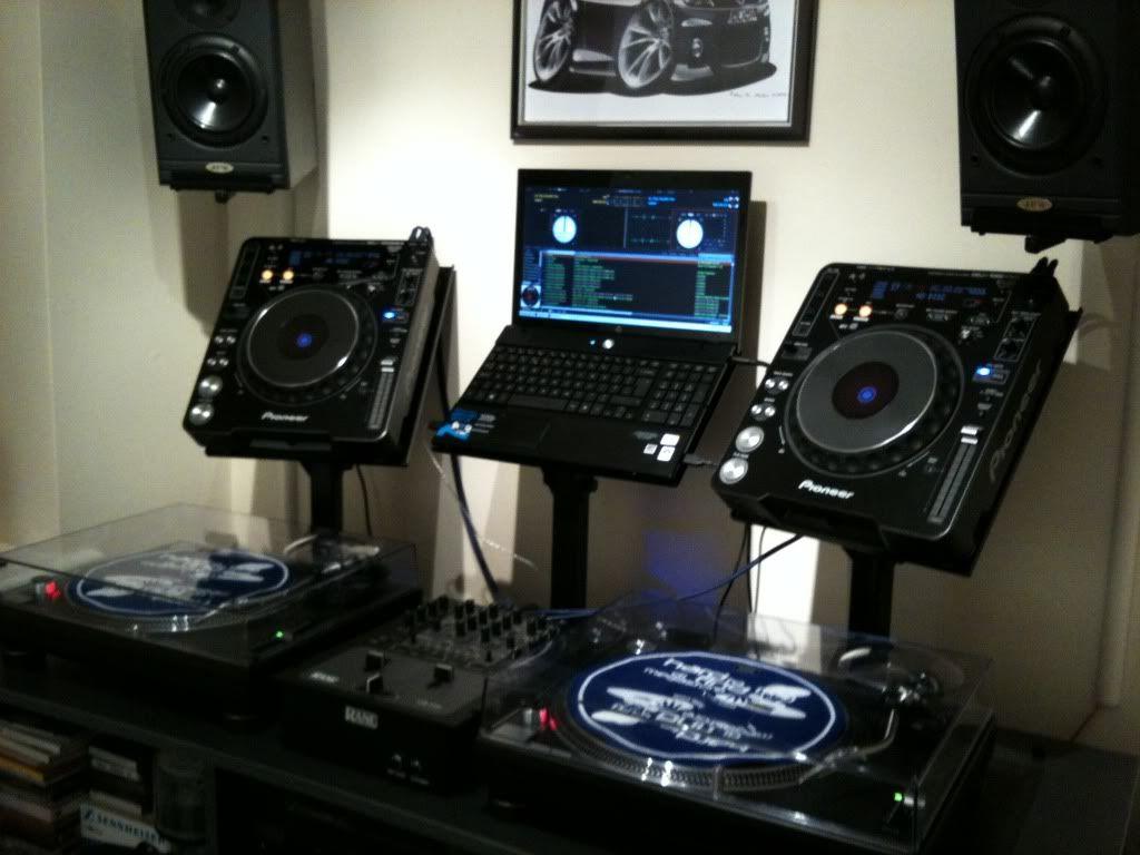 pin by kenneth runge on dj studio setups turntable setup dj setup dj equipment. Black Bedroom Furniture Sets. Home Design Ideas