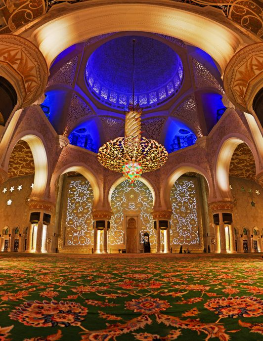 Abu Dhabi S Grand Mosque From The Inside Grand Mosque Mosque Islamic Architecture