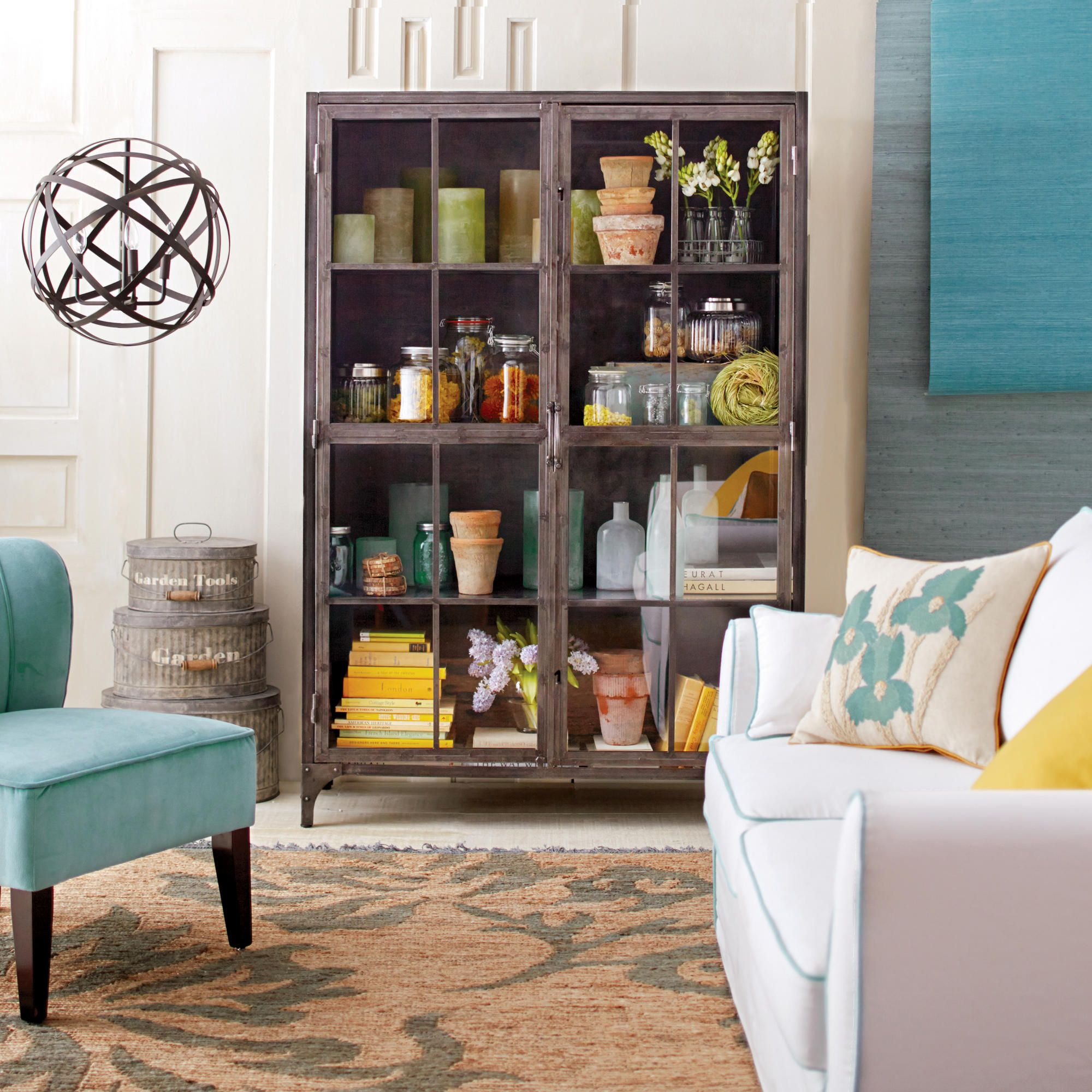 Home Decor Industry: Metal Display Cabinet