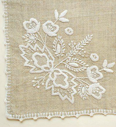 Hímzett terítő, asztalkendő, zsebkendő