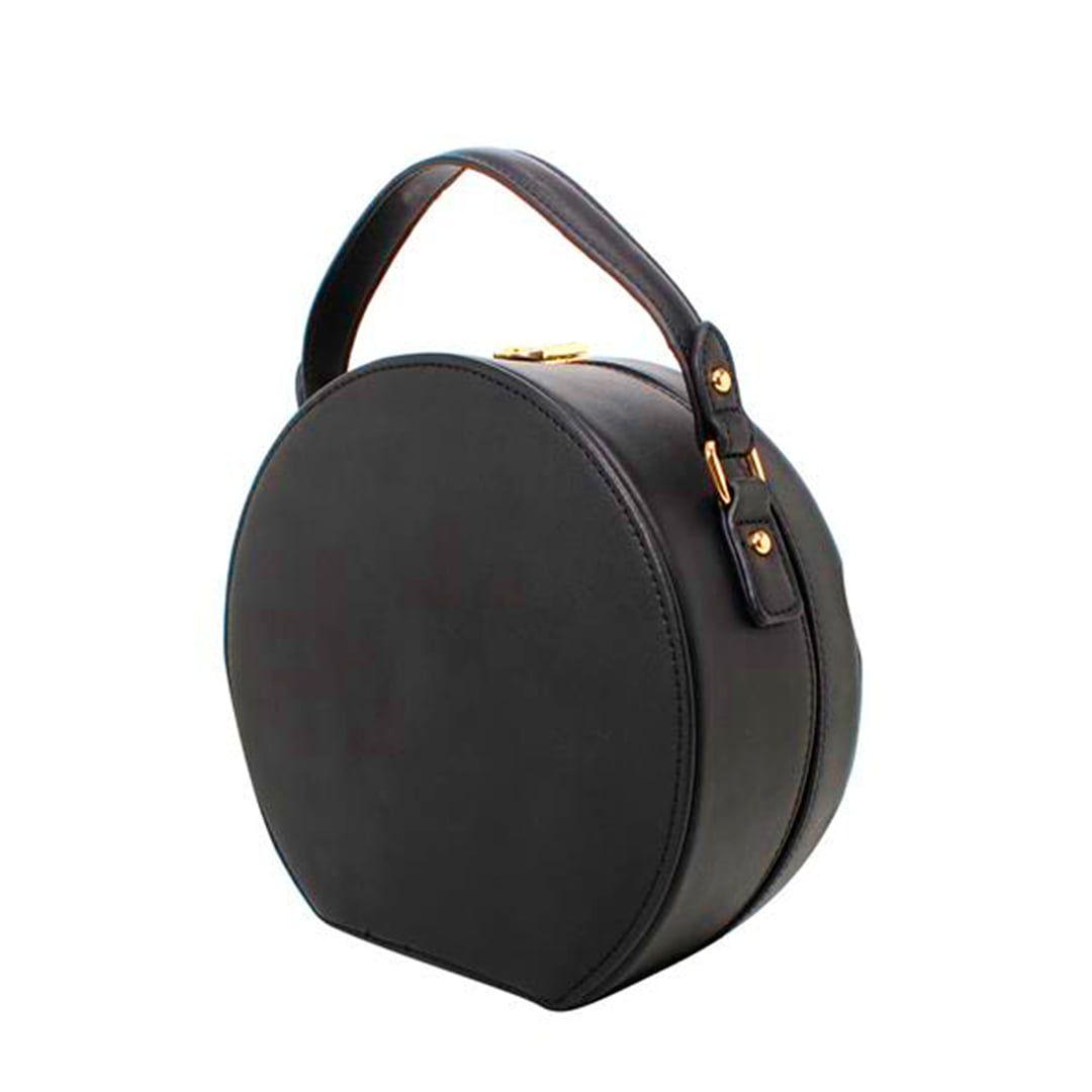 a99a41f72 A bolsa redonda é o acessório de moda feminina perfeito para composições de  diversos looks e