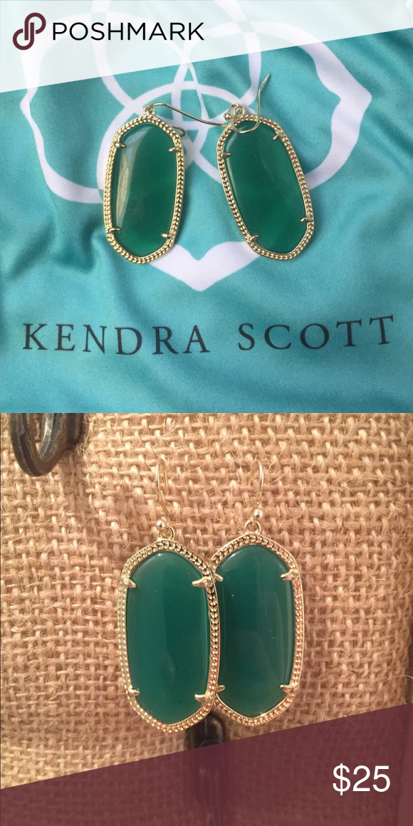 """Kendra Scott Elle small Danielle green earrings KS smaller Danielle style earrings called """"Elle"""" *bag not included* Kendra Scott Jewelry Earrings"""